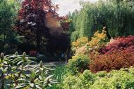 Asisbiz Travel to Claude Monet Chateau garden in Giverny France 24