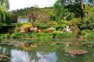 Asisbiz Travel to Claude Monet Water Lily Pond in Giverny France 02