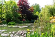Asisbiz Travel to Claude Monet Water Lily Pond in Giverny France 04