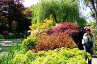 Asisbiz Travel to Claude Monet home or Chateau garden pathways in Giverny France 11