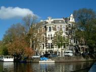 Asisbiz Holland Amsterdam canal scenes Oct 2001 01