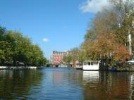 Asisbiz Holland Amsterdam canal scenes Oct 2001 02