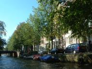 Asisbiz Holland Amsterdam canal scenes Oct 2001 04