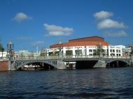 Asisbiz Holland Amsterdam canal scenes Oct 2001 15