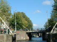 Asisbiz Holland Amsterdam canal scenes Oct 2001 57