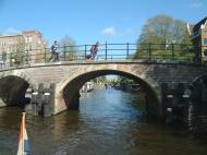 Asisbiz Holland Amsterdam canal scenes Oct 2001 61
