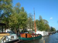 Asisbiz Holland Amsterdam canal scenes Oct 2001 63