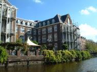 Asisbiz Holland Amsterdam canal scenes Oct 2001 79
