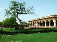 Asisbiz Agra Fort Diwan i Am Hall of Public Audience India Apr 2004 02