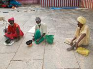 Asisbiz Madurai Alagar Kovil Temple The Garudar and Hanumar 2 Entrance 04