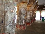 Asisbiz Madurai Alagar Kovil Temple pillars India May 2004 04