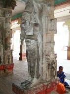 Asisbiz Madurai Alagar Kovil Temple pillars India May 2004 06