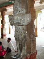 Asisbiz Madurai Alagar Kovil Temple pillars India May 2004 07