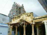 Asisbiz Madurai Alagar Kovil Temple pillars India May 2004 08