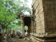 Asisbiz Madurai Alagar Kovil Temple ruins India May 2004 01
