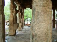 Asisbiz Madurai Alagar Kovil Temple ruins India May 2004 04