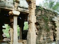 Asisbiz Madurai Alagar Kovil Temple ruins India May 2004 08