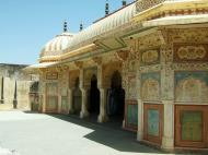 Asisbiz Rajasthan Jaipur Amber Fort compound architecture India Apr 2004 10