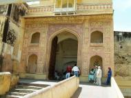 Asisbiz Rajasthan Jaipur Amber Fort compound architecture India Apr 2004 13