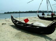 Asisbiz Chinese fishing nets Cheena vala of Fort Kochi Fort Cochin India May 2004 04