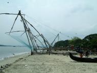 Asisbiz Chinese fishing nets Cheena vala of Fort Kochi Fort Cochin India May 2004 07