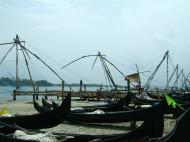 Asisbiz Chinese fishing nets Cheena vala of Fort Kochi Fort Cochin India May 2004 10