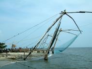 Asisbiz Chinese fishing nets Cheena vala of Fort Kochi Fort Cochin India May 2004 19