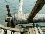 Asisbiz Chinese fishing nets Cheena vala of Fort Kochi Fort Cochin India May 2004 21