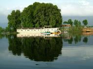 Asisbiz Kashmir Srinagar Dal lake panoramic views India India Apr 2004 005