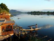 Asisbiz Kashmir Srinagar Dal lake panoramic views India India Apr 2004 019
