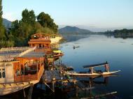 Asisbiz Kashmir Srinagar Dal lake panoramic views India India Apr 2004 020