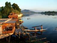 Asisbiz Kashmir Srinagar Dal lake panoramic views India India Apr 2004 021
