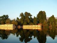 Asisbiz Kashmir Srinagar Dal lake panoramic views India India Apr 2004 069
