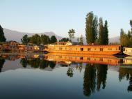 Asisbiz Kashmir Srinagar Dal lake panoramic views India India Apr 2004 070