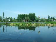 Asisbiz Kashmir Srinagar Dal lake panoramic views India India Apr 2004 081