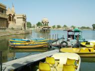 Asisbiz Rajasthan Jaisalmer Gadi Sagar Lake India Apr 2004 03