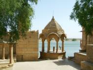 Asisbiz Rajasthan Jaisalmer Gadi Sagar Lake entrance India Apr 2004 03