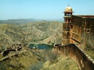 Asisbiz Rajasthan Jaipur Jaigarh Fort Jaivana cannon India Apr 2004 03