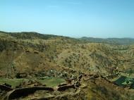 Asisbiz Rajasthan Jaipur Jaigarh Fort Jaivana cannon India Apr 2004 08