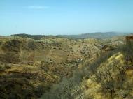 Asisbiz Rajasthan Jaipur Jaigarh Fort Jaivana cannon India Apr 2004 12