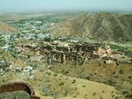 Asisbiz Rajasthan Jaipur Jaigarh Fort view of Amber Fort India Apr 2004 01