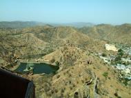 Asisbiz Rajasthan Jaipur Jaigarh Fort water supply India Apr 2004 01