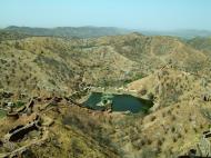 Asisbiz Rajasthan Jaipur Jaigarh Fort water supply India Apr 2004 02