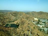 Asisbiz Rajasthan Jaipur Jaigarh Fort water supply India Apr 2004 03