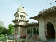 Asisbiz Rajasthan Jaipur Albert Hall Museum cupola towers India Apr 2004 01
