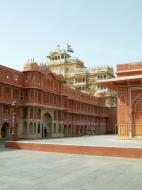 Asisbiz Rajasthan Jaipur City Palace compound India Apr 2004 03