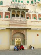 Asisbiz Rajasthan Jaipur City Palace fresco artwork India Apr 2004 01