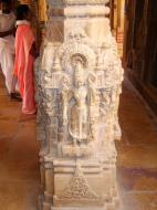 Asisbiz Rajasthan Jaisalmer Fort Jain Temple pilar engravings India Apr 2004 01