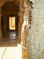 Asisbiz Rajasthan Jaisalmer Fort Jain Temple pilar engravings India Apr 2004 04