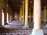 Asisbiz Kashmir Srinagar Jama Masjid Mosque prayer hall India Apr 2004 01